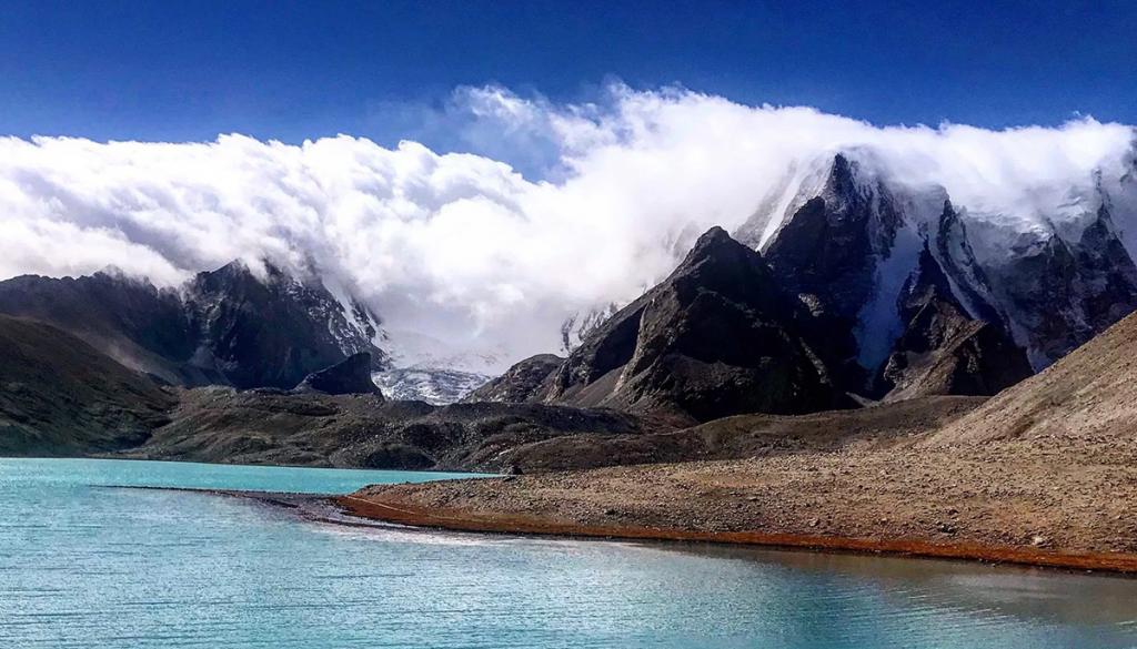 Gurudongmar-Lake,-Sikkim lakes in northeast india