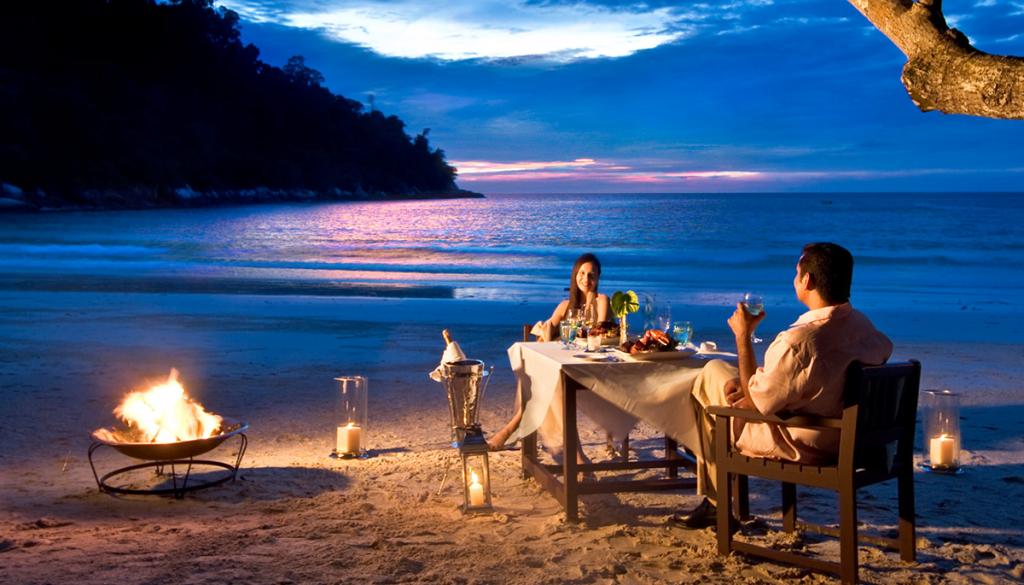 Romantic-Weekend-Getaway