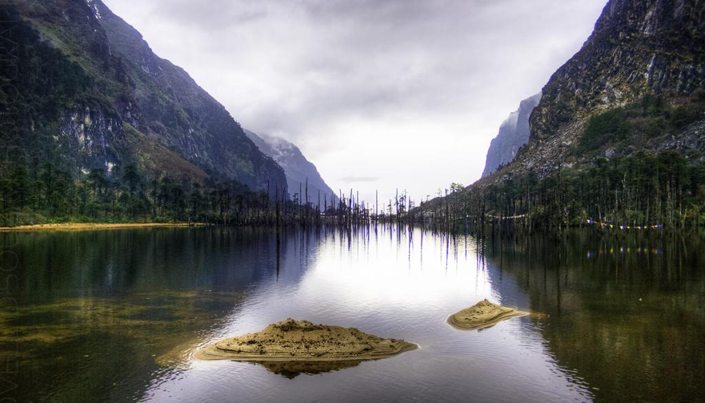 Sangetsar-Lake,-Arunachal-Pradesh